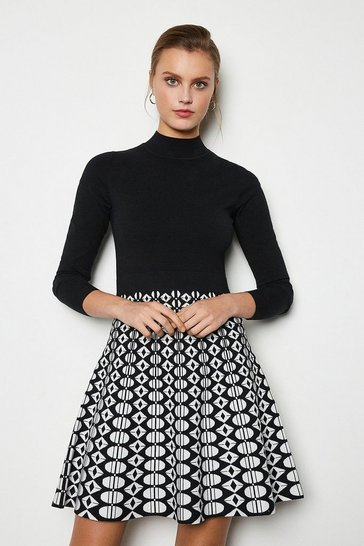 Blackwhite Graphic Full Skirt Knit Dress