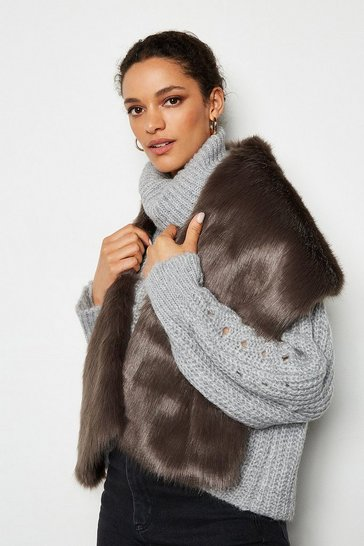Grey Wide Faux Fur Scarf