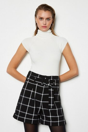 Blackwhite Relaxed Tailored Short