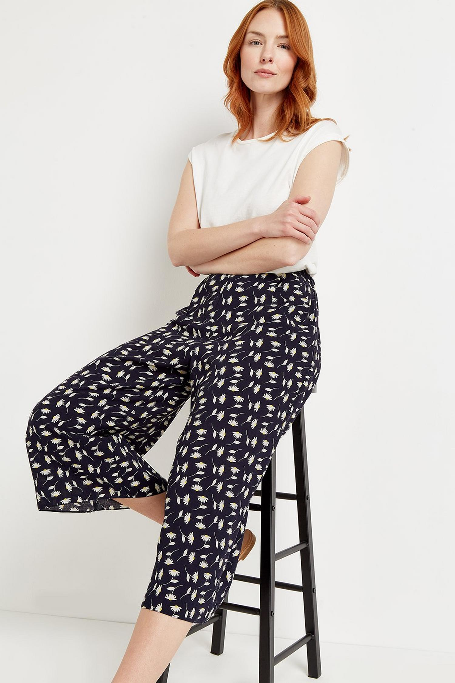 148 Navy Daisy Crop Wide Pull On Trouser  image number 4