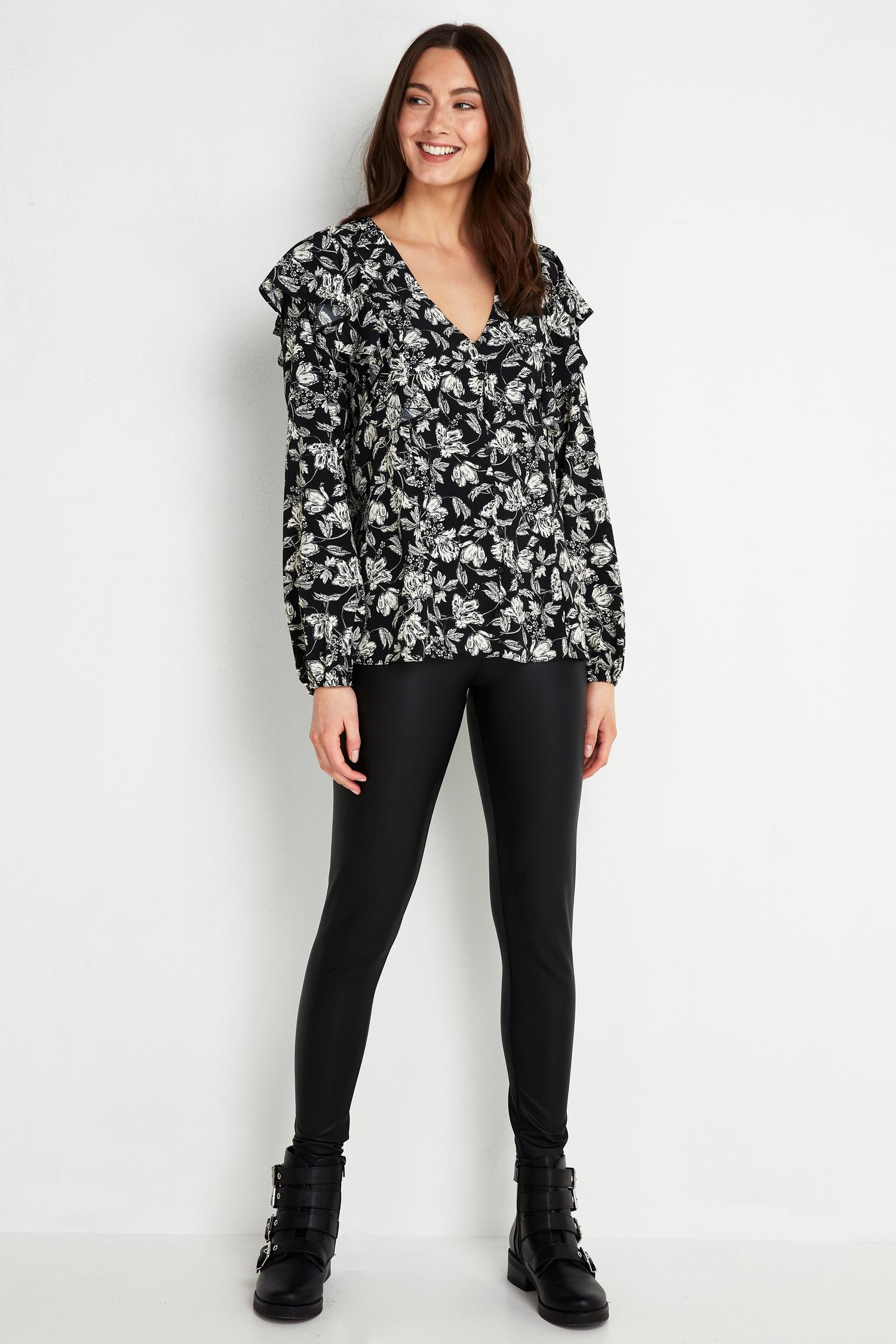 585 Monochrome Floral Print Ruffle Top image number 3
