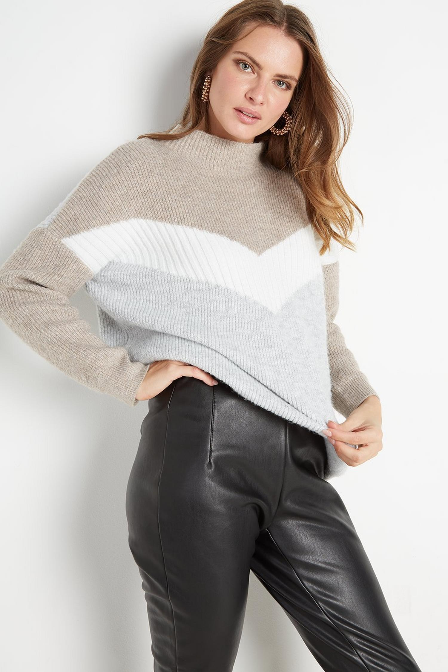 105 Black Faux-Leather Legging image number 3