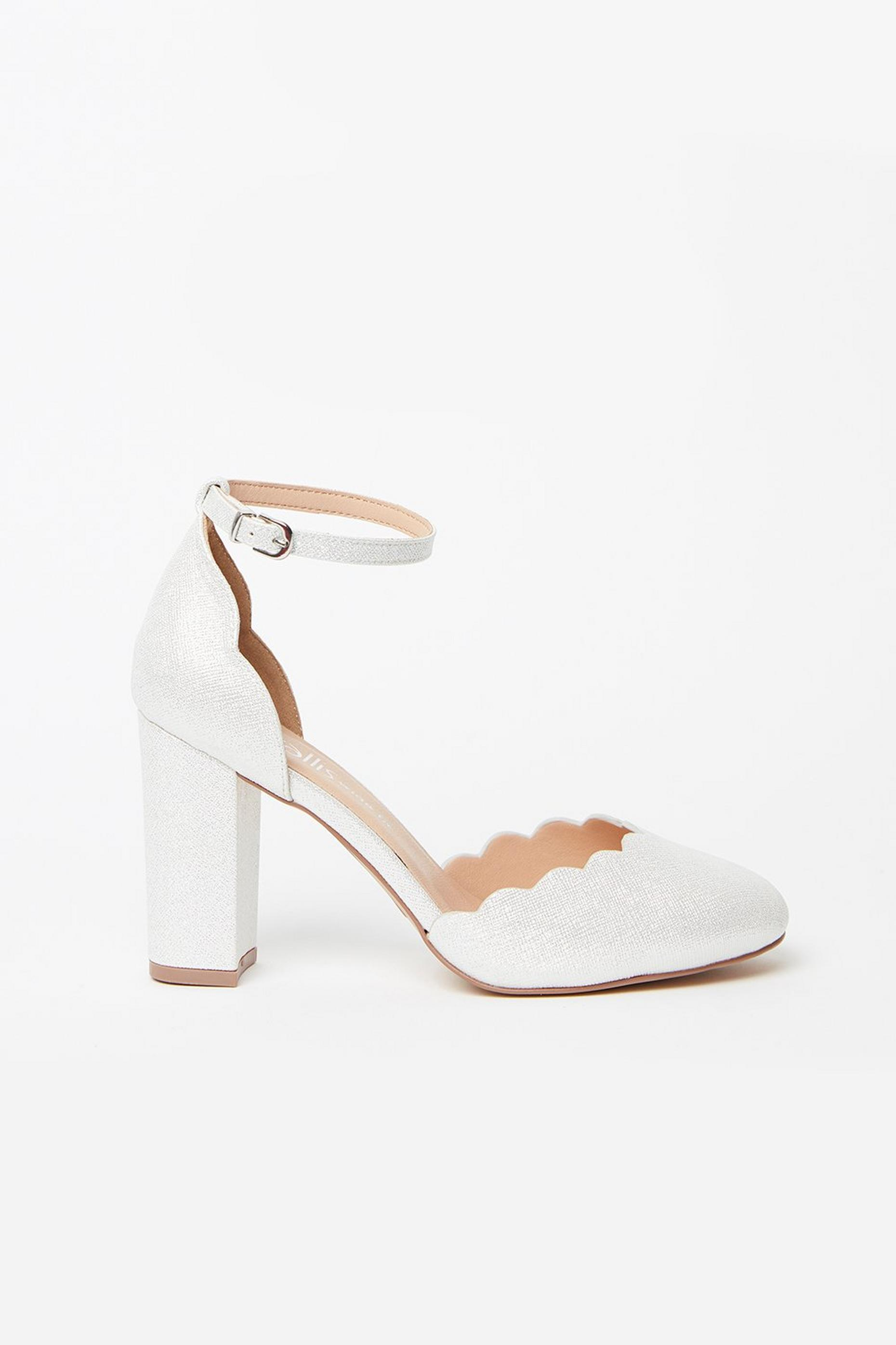 WIDE FIT White Scallop Edge Heel