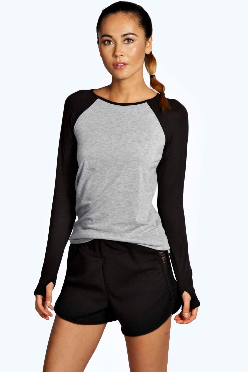 Snapdeal brings to you an array of sweatshirts for women that will cater to your needs of keeping warm without compromising on style. Shop Online for Ladies Sweatshirts at Snapdeal Sweatshirts are extremely popular with women as it blends comfort with a casual and sporty look.