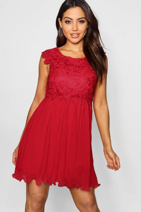 Womens Berry Boutique  Corded Lace Pleated Skater Dress