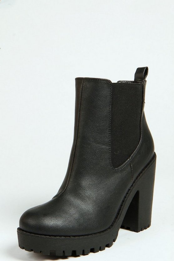Izzy Elastic Insert Pull On Boot