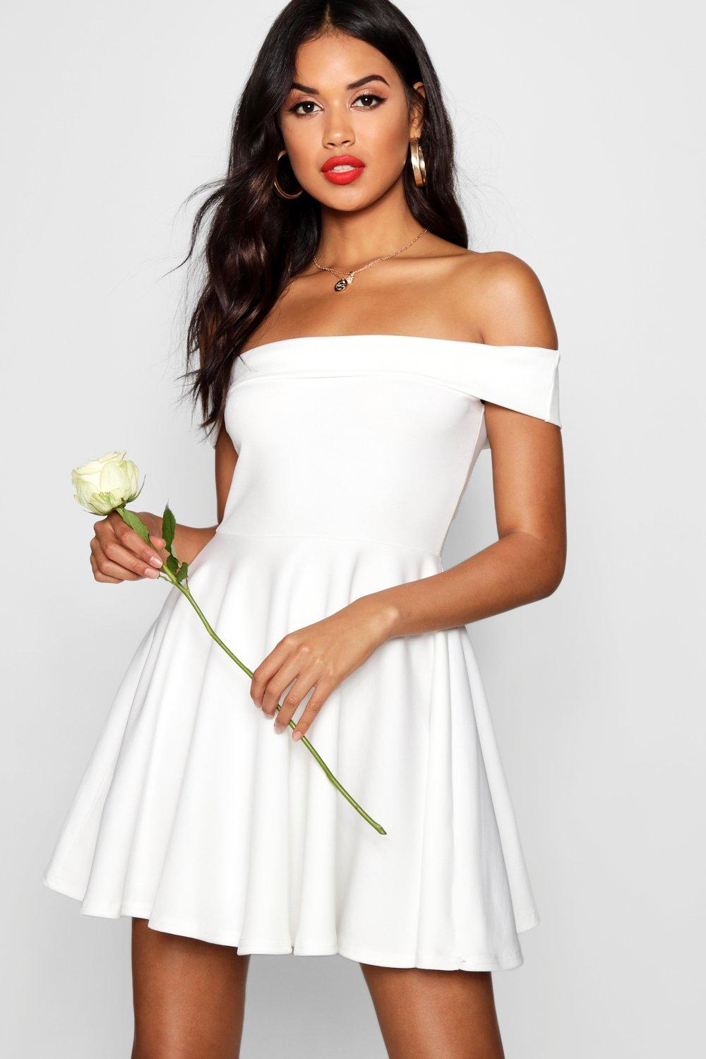 Boohoo's fashion is fun and accessible, super affordable and massively varied. Whatever your size, shape or look, Boohoo has it all. As well as dresses, shoes and accessories, Boohoo have their own beauty brand, a fitness collection, boutique lines and much more.