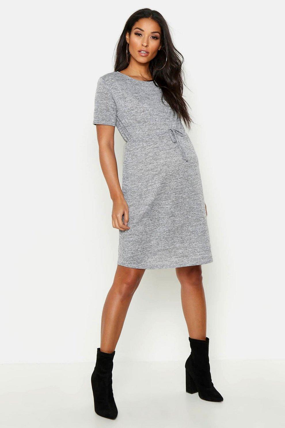 7dd34b30fe5f6 Maternity Short Sleeve Swing Dress | Boohoo