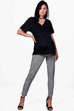 1960s Inspired Fashion: Recreate the Look Maternity Lily Gingham Skinny Trousers With Stretch $28.00 AT vintagedancer.com