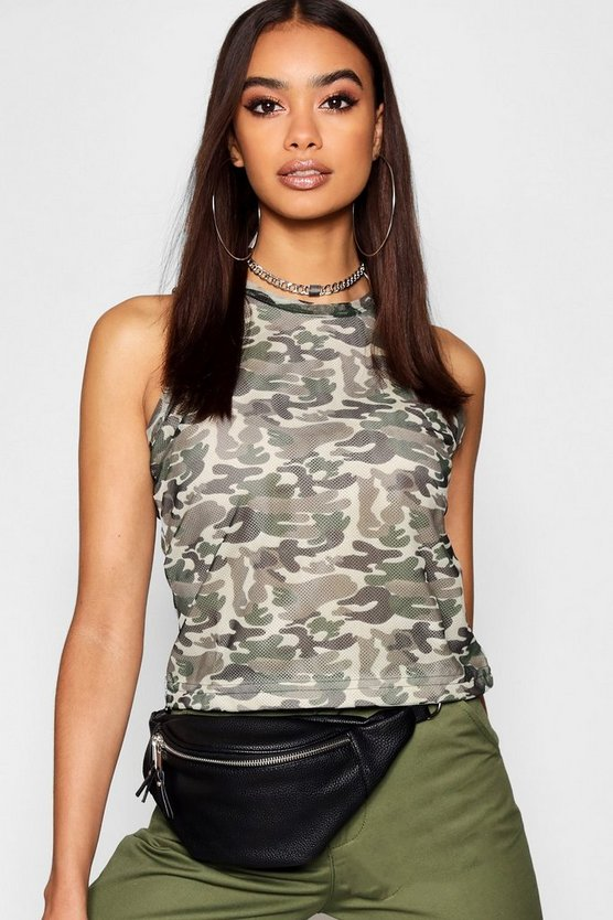 Tops in Camouflage-Print
