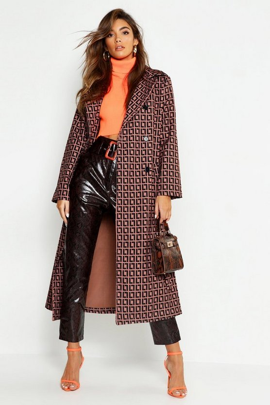 Patterned Trench