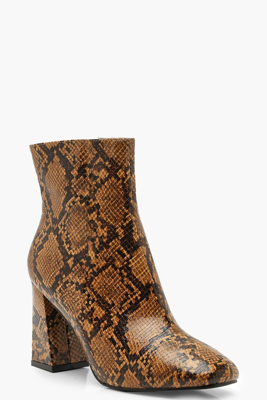 competitive price 6d0f4 5e1d2 Ankle Boots mit Blockabsatz und Schlangenmuster | Boohoo