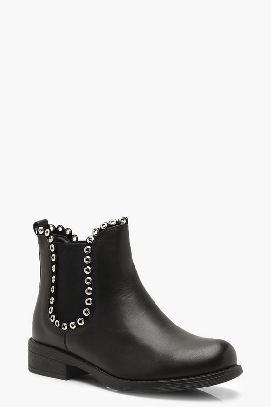 Flat Heel Chelsea Boots With Eyelets