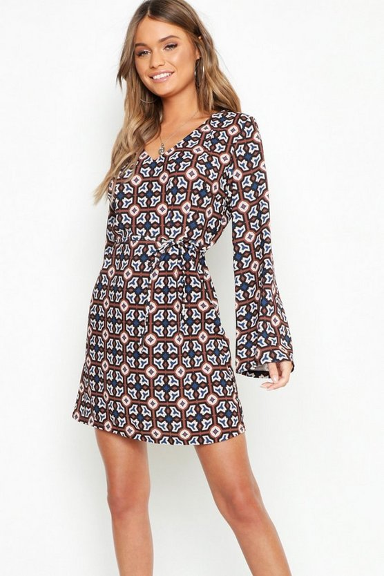 Womens Oversized Geo Print Belted Shift Dress