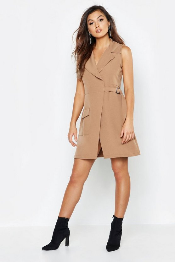 Sleeveless Utility Detail D Ring Blazer