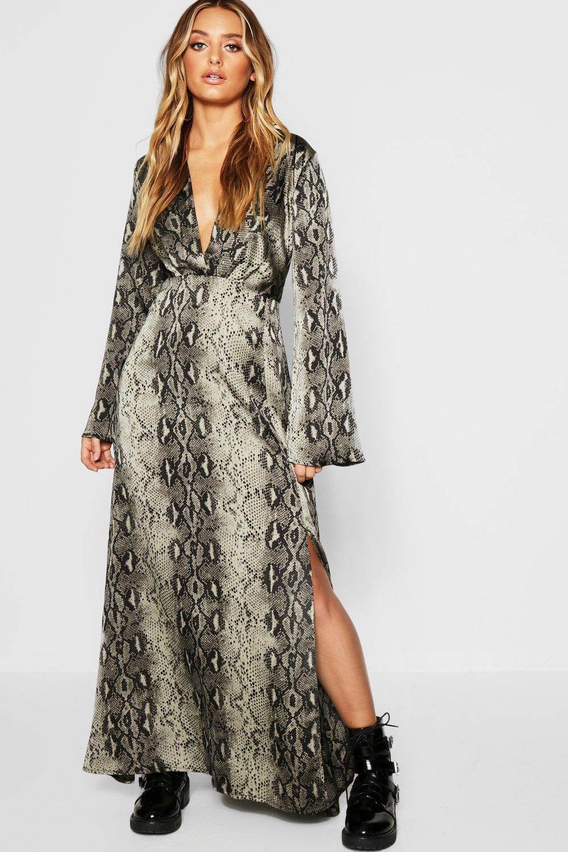 best loved bdd6f 9f785 Maxi T-Shirt-Kleid in Schlangen-Print mit Reverskragen | Boohoo
