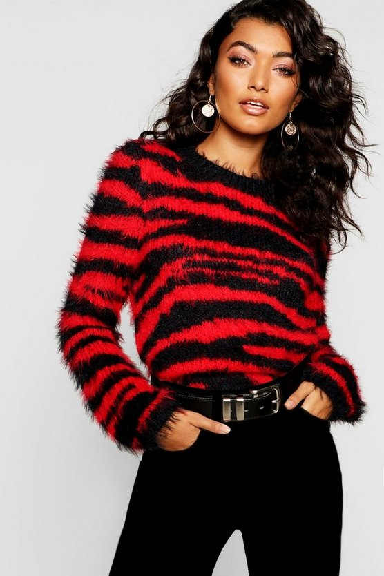 Pullover aus flauschigem Strick in Tiger-Print