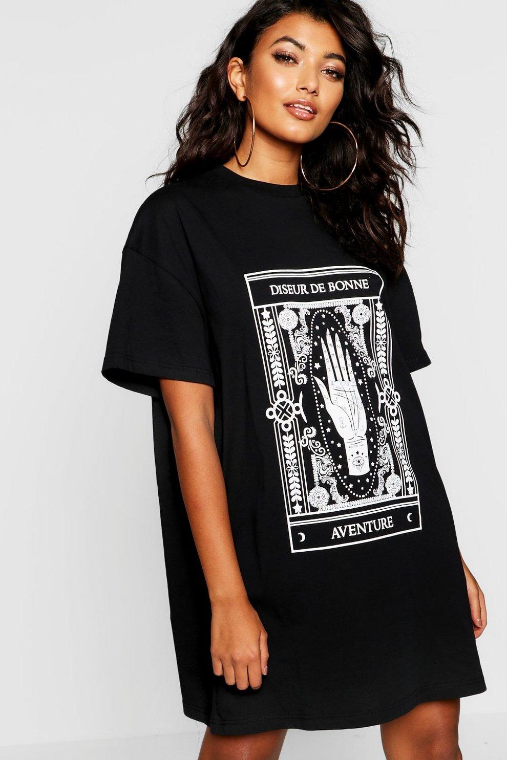 Oversized T-Shirt-Kleid mit mystischem Print