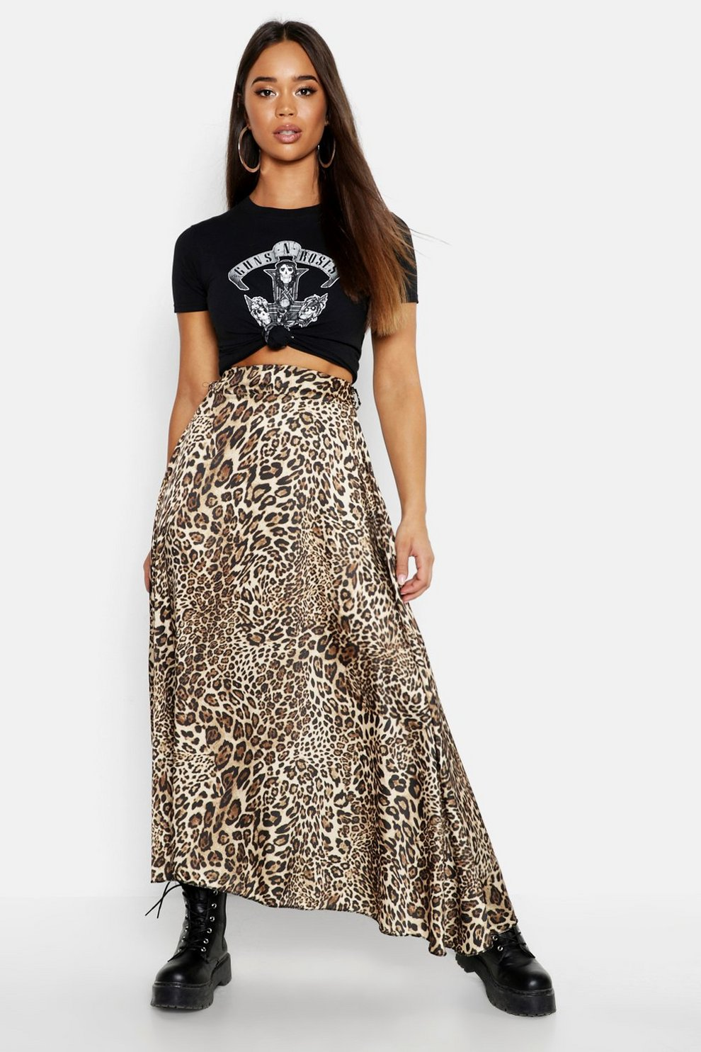 e86c7368a Falda midi con estampado de leopardo