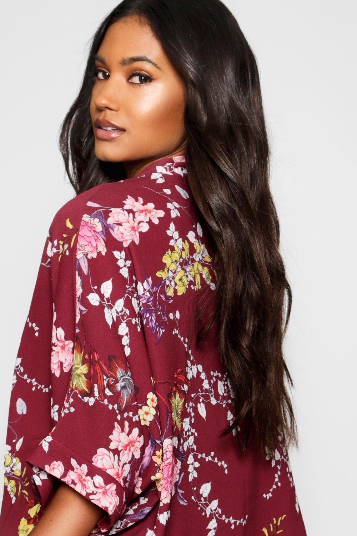 Kimono estampado en crepé negro con floral xz0fqBRzw
