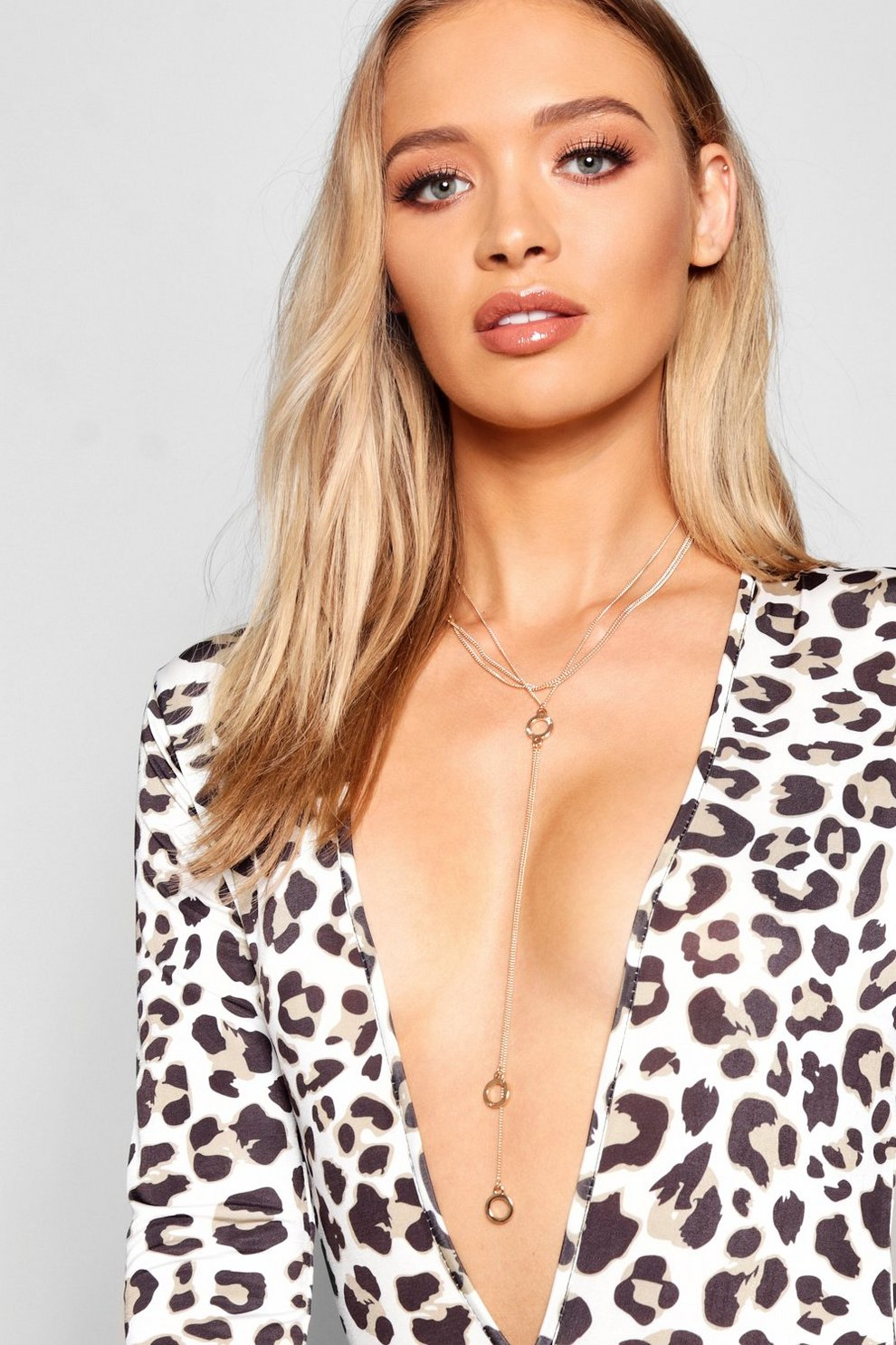 47b4a05d5cf Circle Plunge Necklace | Boohoo