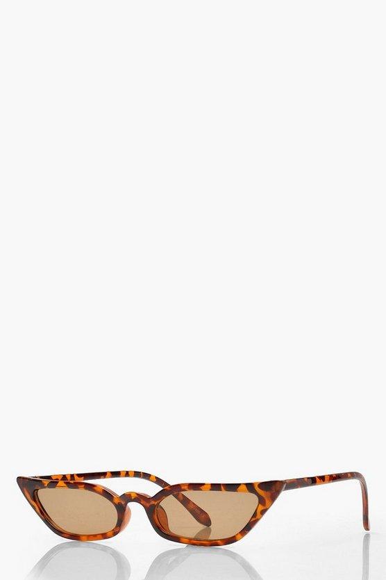 050398b258c3 Shoptagr | 2 Pack Skinny Winged Cat Eye Sunglasses by Boohoo