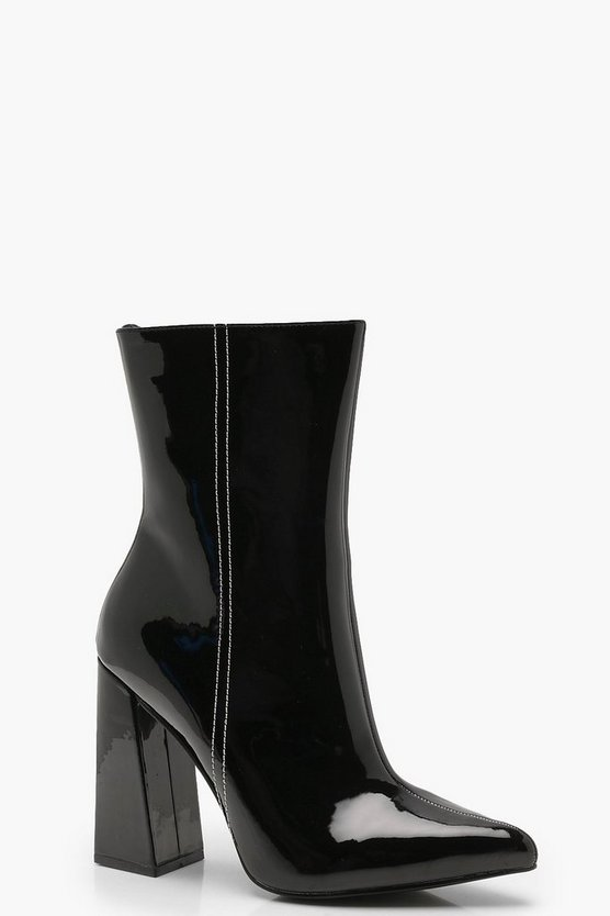 Star Back Detail Pointed Shoe Boots