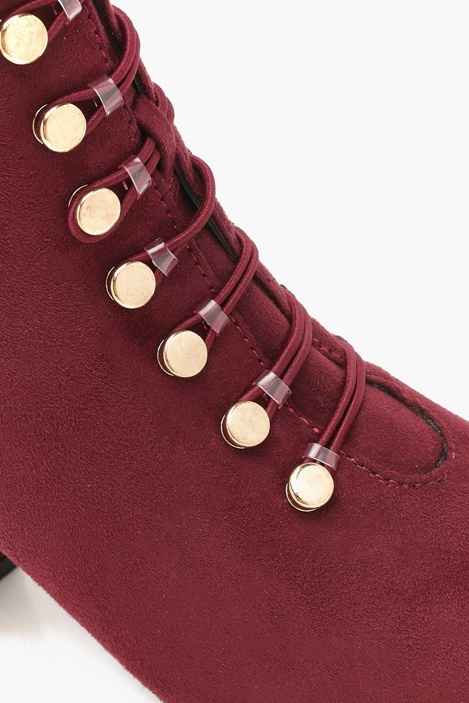 Boohoo Knöchelhohe Stiefeletten mit Blockabsatz Blockabsatz mit und Knopfbesatz 0f9ea6