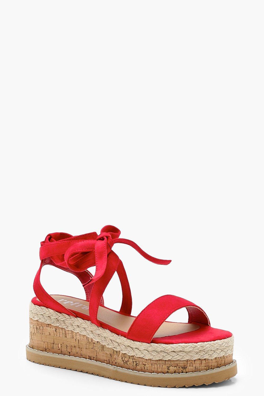 on sale 8f553 b5573 Flache Espadrilles Sandalen zum Schnüren | Boohoo