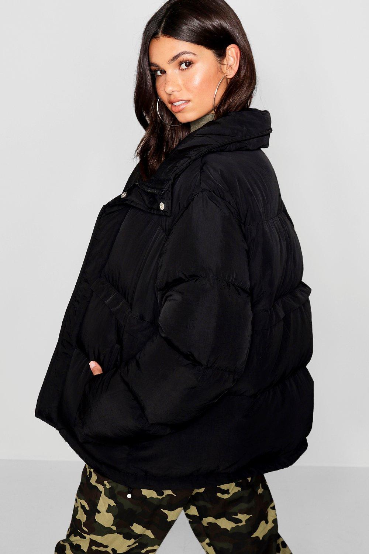 Chaqueta inflada cuello negro con alzado wvq1B08