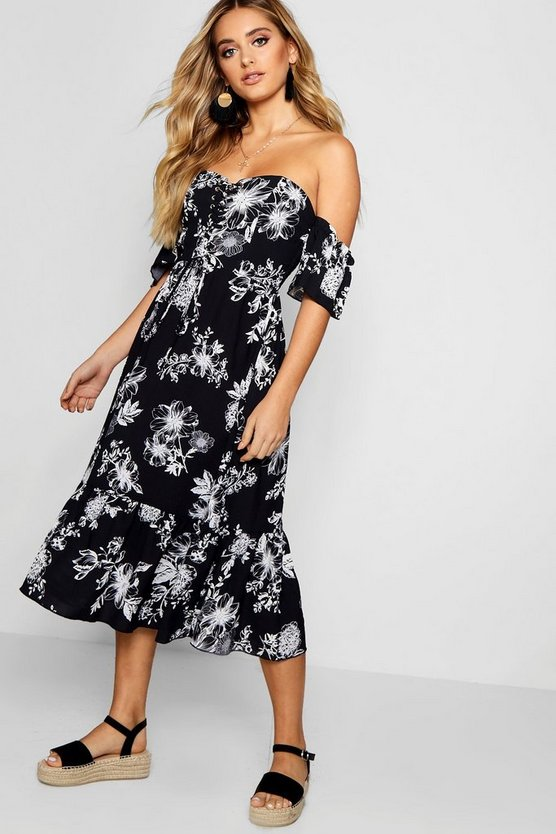 Lace Up Off The Shoulder Maxi Dress