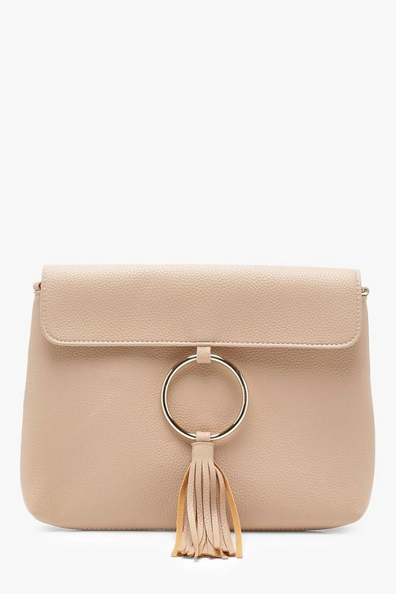 Ring & Tassel Clutch With Chain