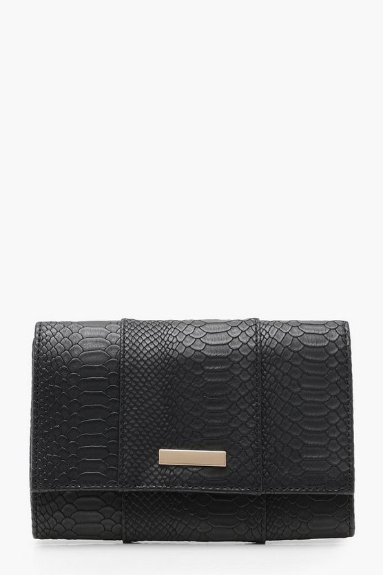 Rhea Faux Snake Clutch With Chain