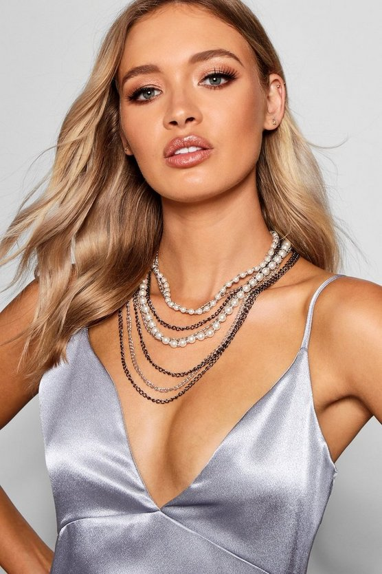 Womens Layered Pearl & Chain Necklace