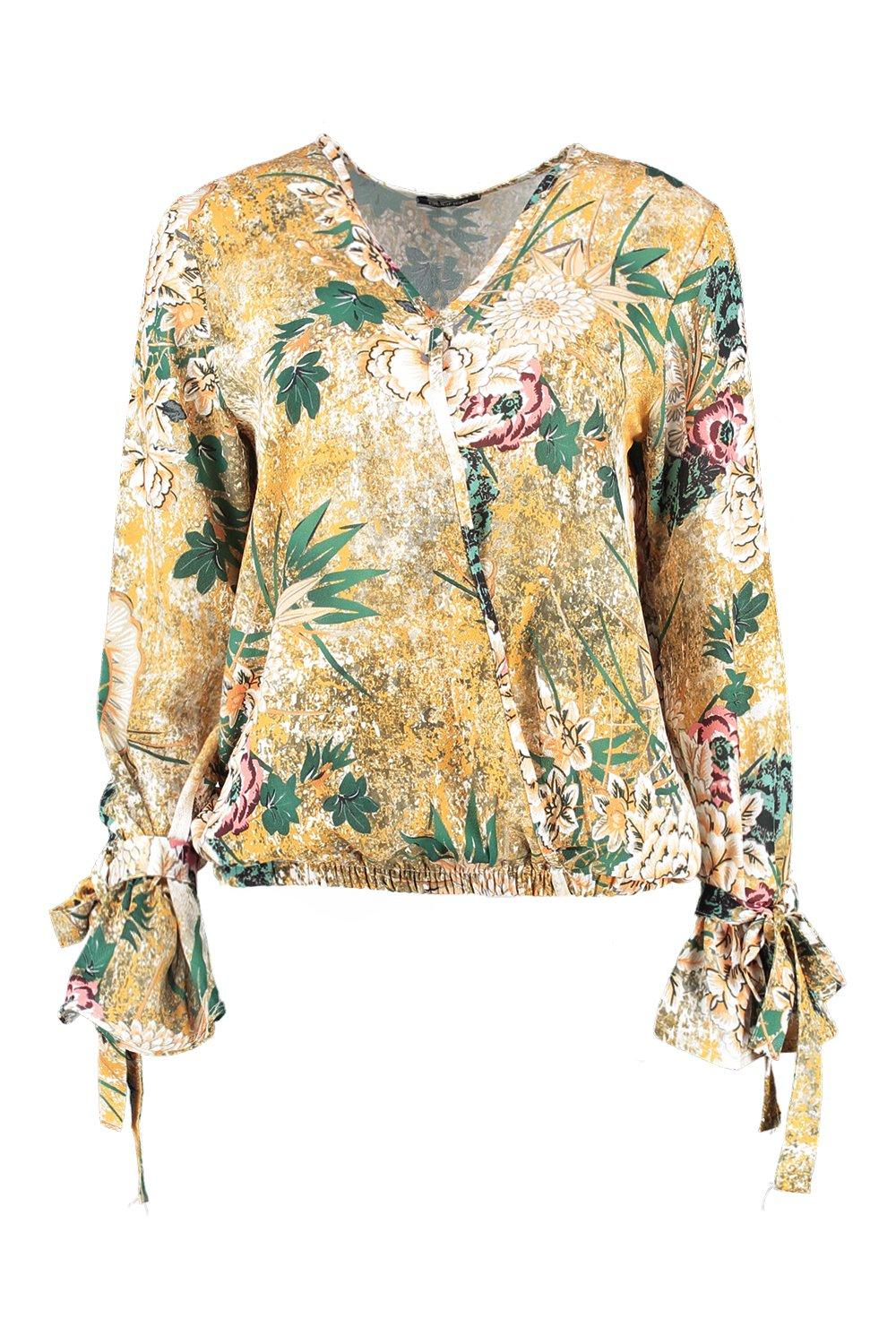 Boohoo-Erin-Floral-Printed-Wrap-Over-Blouse-per-Donna