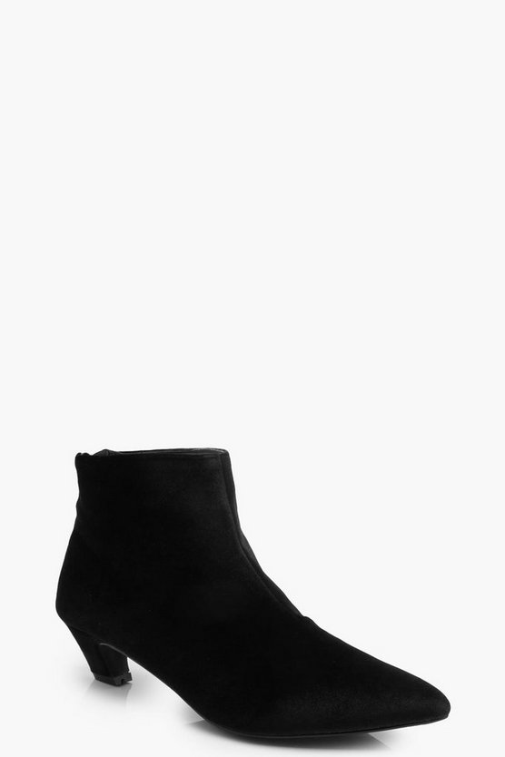 Pointed Toe Low Ankle Chelsea Boots