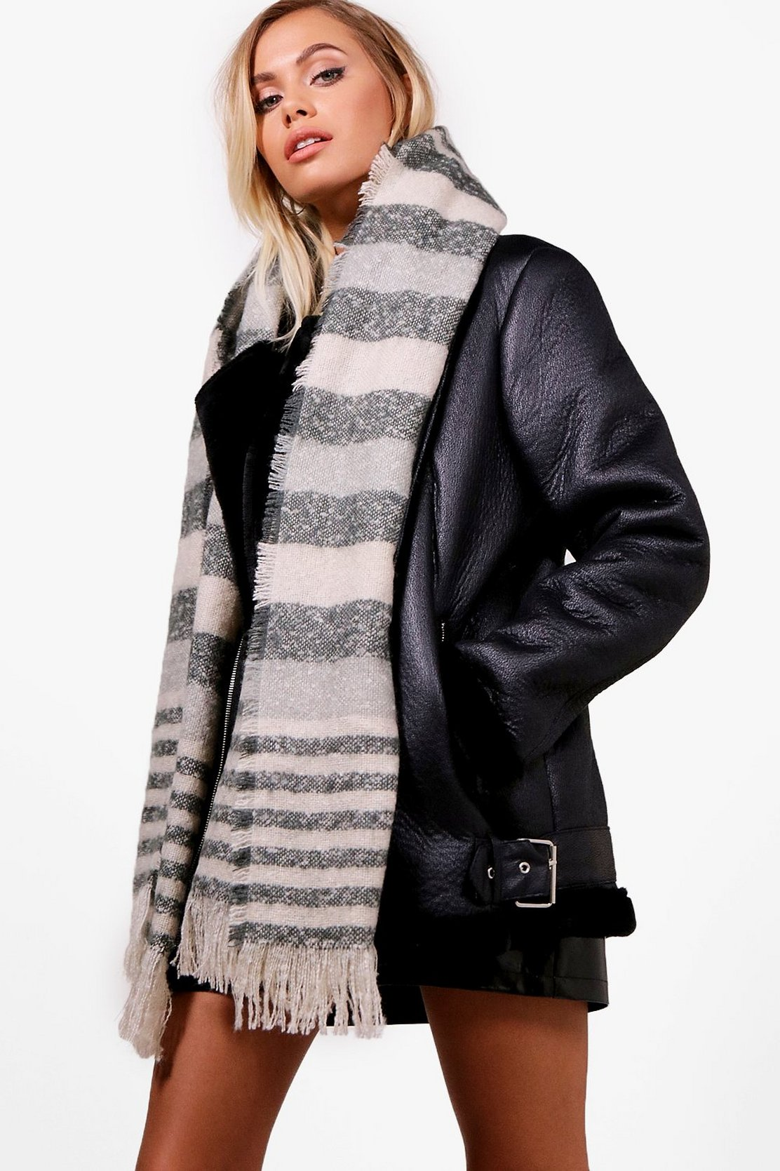 Chunky Stripe Woven Scarf by Boohoo