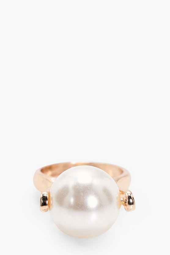 Alice Pearl Statement Ring