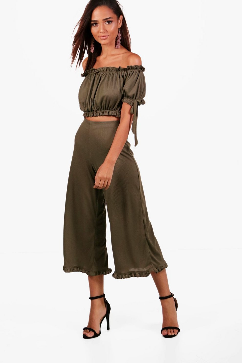 74870acad78 Lola Off Shoulder Crop & Frill Culotte Co-Ord Set | Boohoo