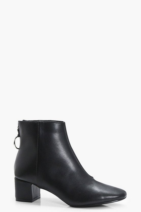 O Ring Ankle Boots