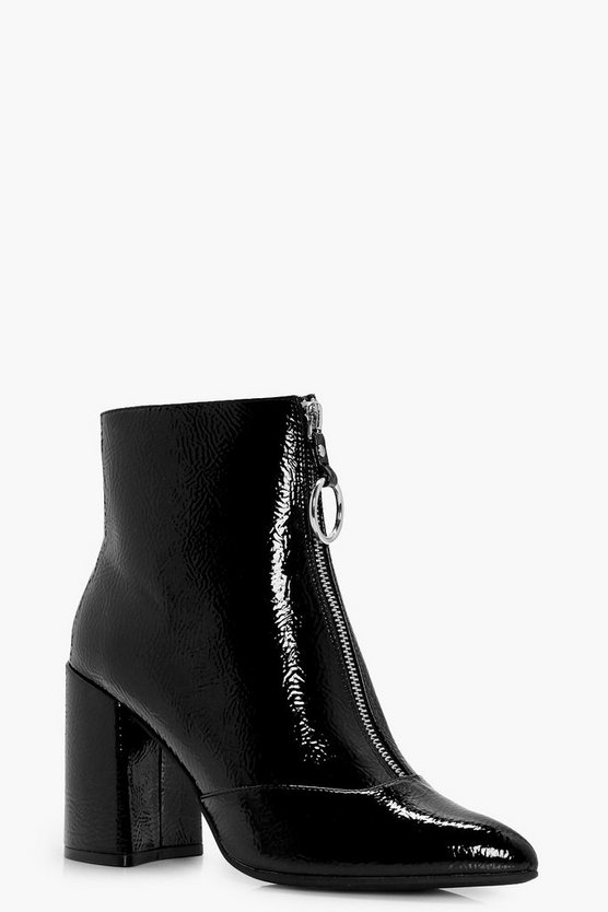 Womens Black Oversized O-Ring Cylinder Heel Shoe Boots