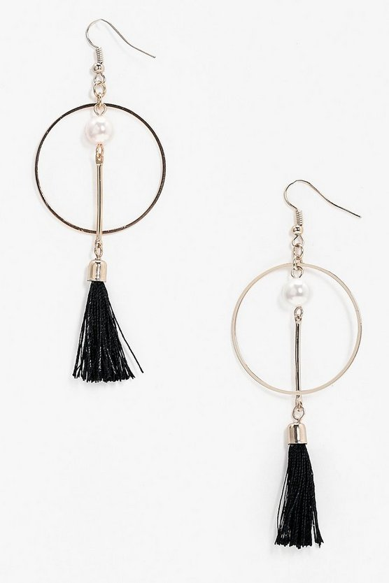 Circle Pearl and Tassel Earring