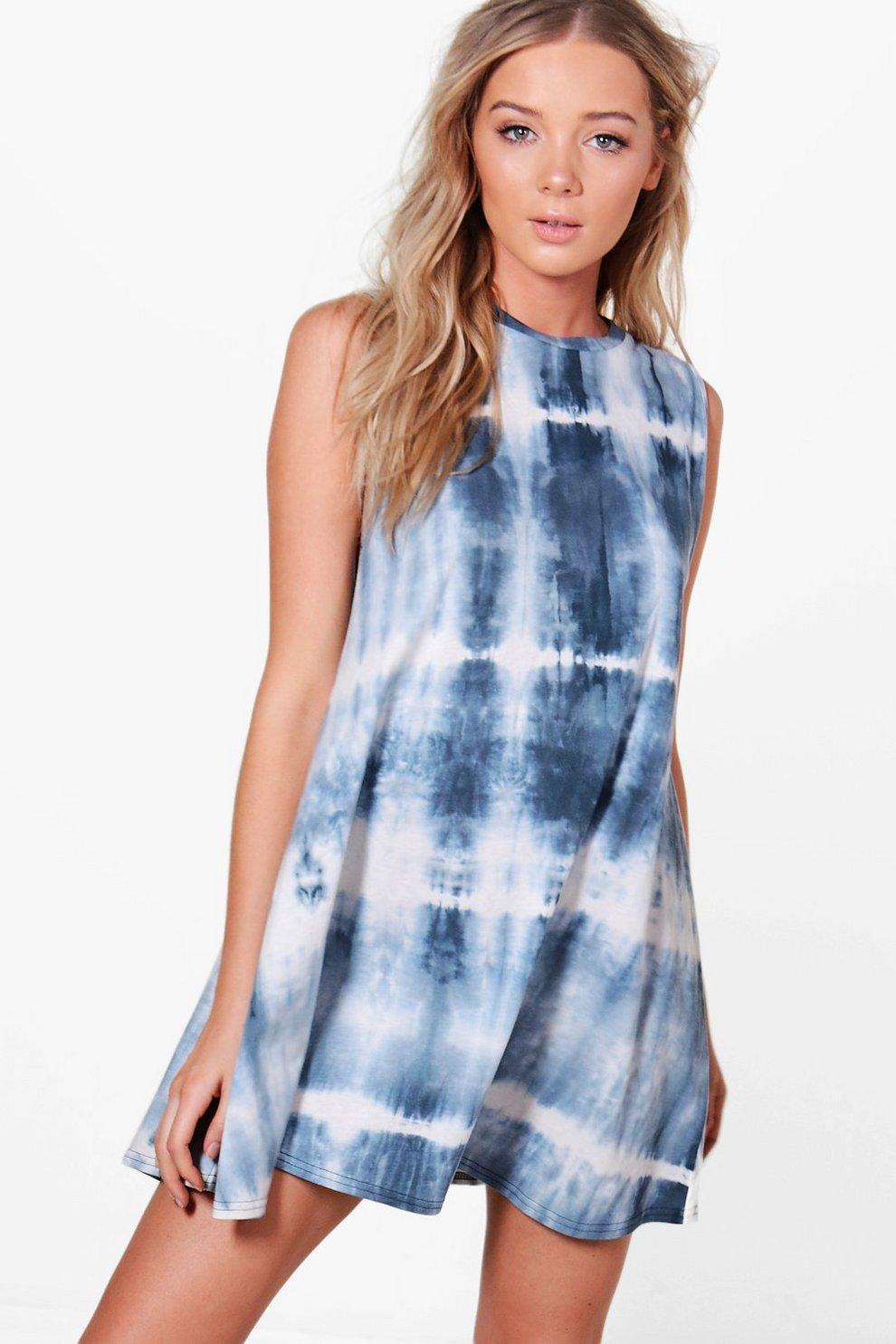 Lucy T-Shirt-Kleid in Batik-Optik mit tiefen Armausschnitten   Boohoo 22c901ed09