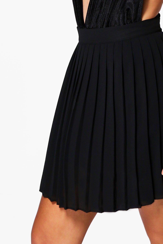 Boohoo Chiffon Pleated Midi Skirt ($20, originally $40).