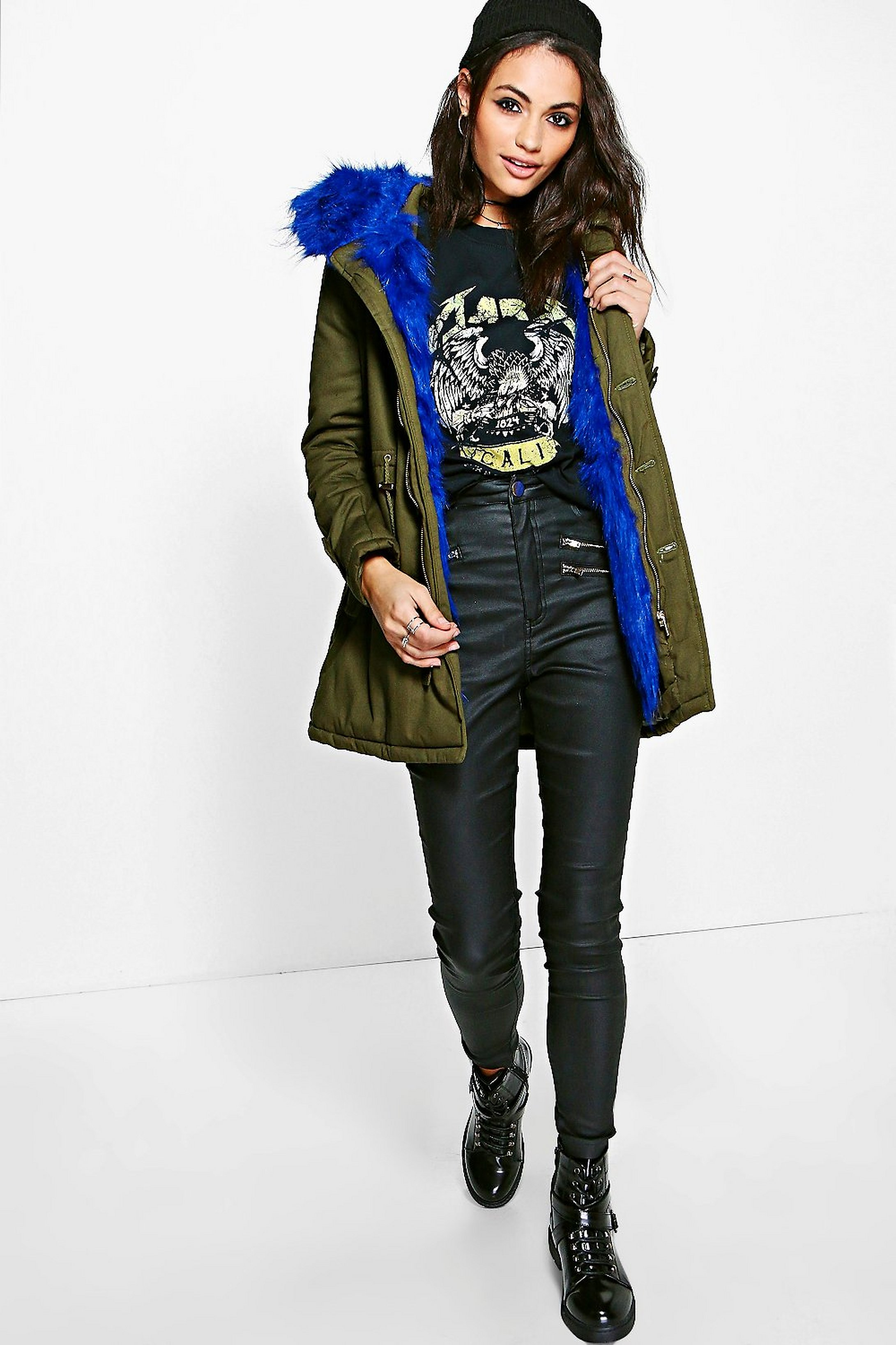 68cf7fb5 parka con capucha de piel sintética eliza boutique | Boohoo