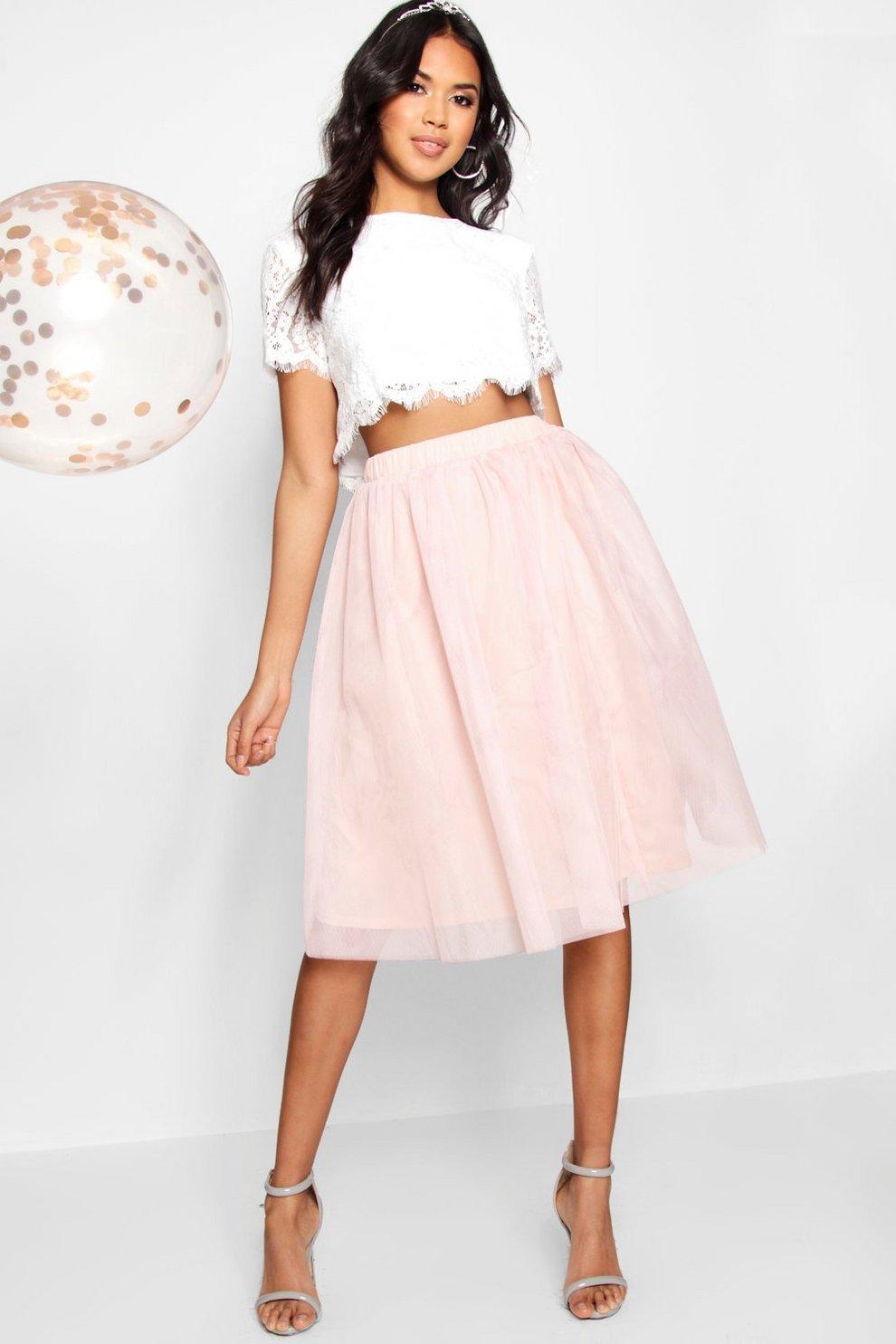 fcb13f11a3 Conjunto de falda midi en contraste y top tejido de encaje