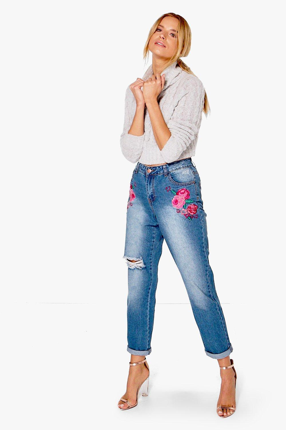 Boohoo womens catherine embroidered boyfriend jeans in mid