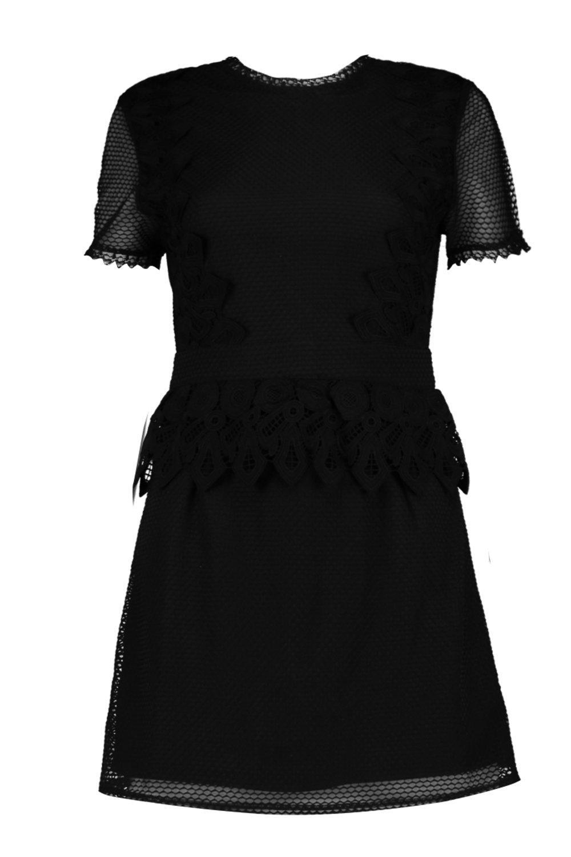 Boohoo-vestido-peplum-de-corte-recto-de-encaje-y-crochet-cait-boutique-para