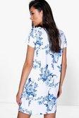 372001468f2b7 ... Womens Blue Sally Floral Cap Sleeve Shift Dress alternative image ...