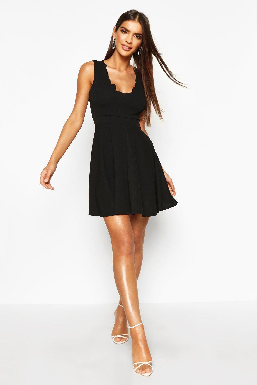 Boohoo-vestido-skater-con-escote-pronunciado-festoneado-vivy-para-Mujer